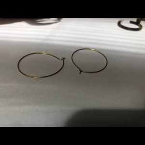 Brandy melville thin medium sized gold hoops